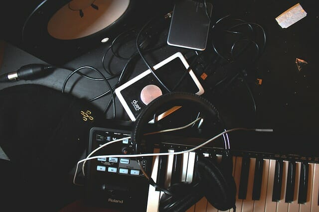 10 Music Gadgets Every Musician Should Know About